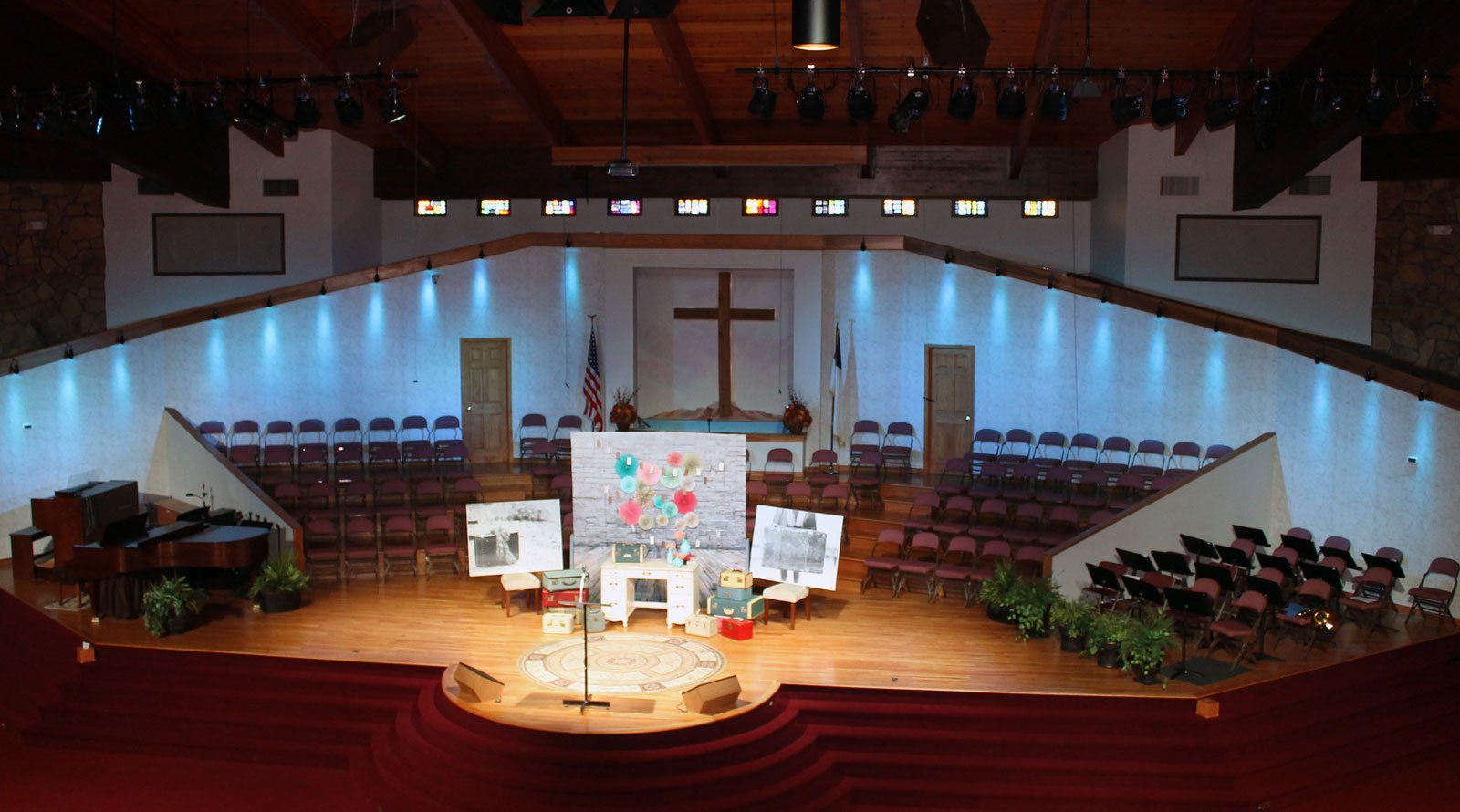 Ovation E-190WW at First BAptist Milford