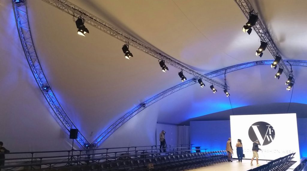 Ovation FD-165WW stage lighting application for fashion show