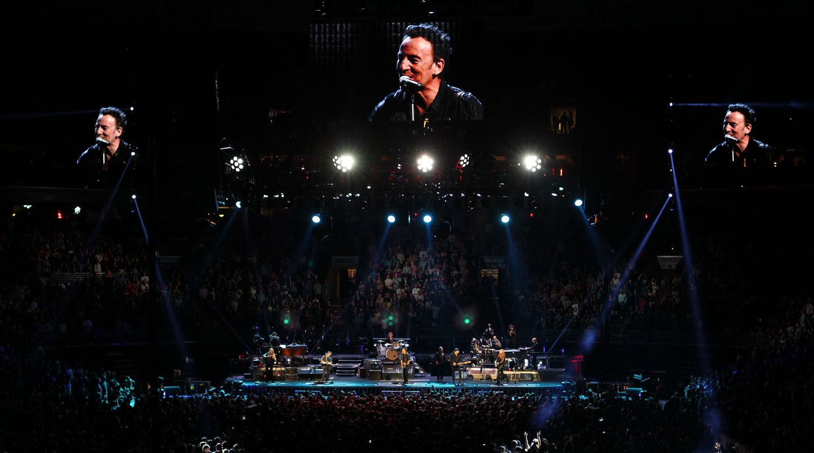 CHAUVET's COLORado 1-Tri used at Bruce Springsteen concert.