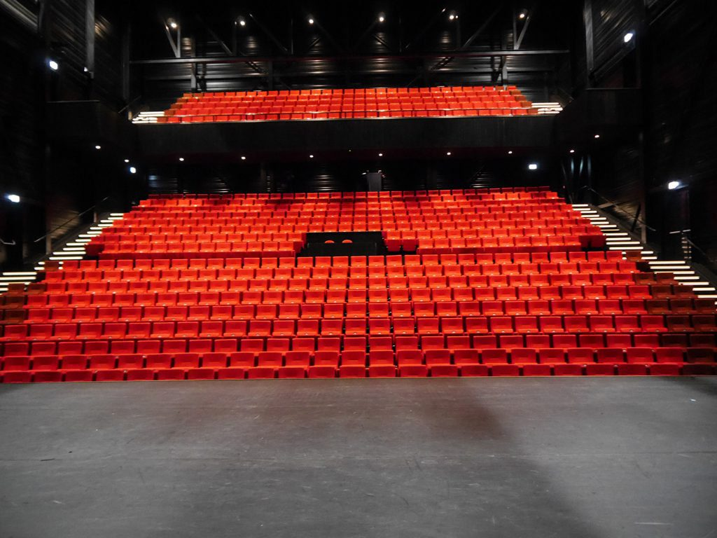 Theatre De Blauwe Kei Becomes First 100% LED Theatre In The Netherlands With CHAUVET Professional Ovation